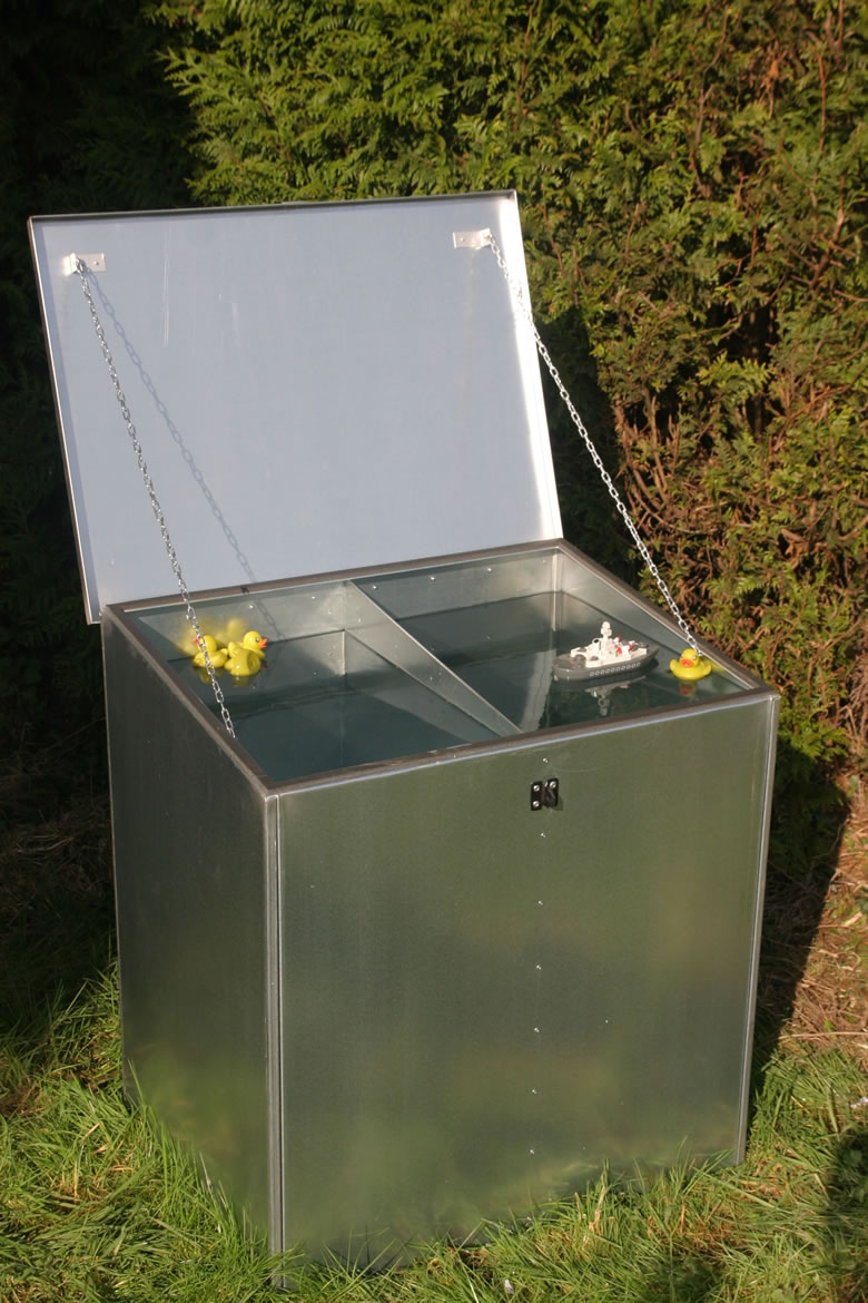 Outdoor Use, Four Compartment Feed Bin